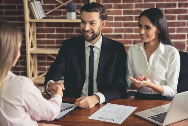 Das richtige Business-Outfit fuer den kuenftigen Arbeitgeber