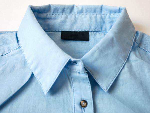 Mit dem Hemdkragen kann man dem Outfit verschiedene Akzente setzen