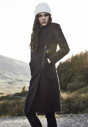 Langer asymmetrischer Mantel fuer Damen