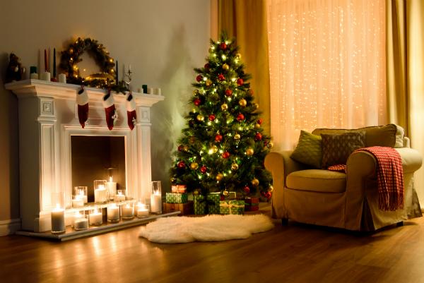 Gemuetliches Wohnzimmer an Weihnachten