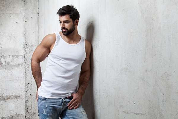 Muscle Top und Jeans