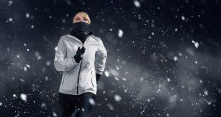 Frau-joggt-im-Winter