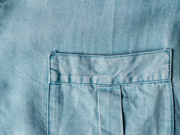 Nahaufnahme eines Hemdes aus Lyocell