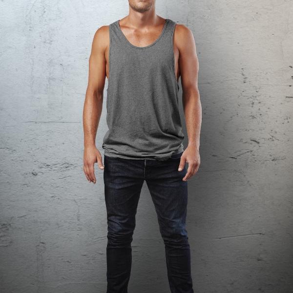 Tanktops fuer Herren mit einer Jeans kombinieren tanktops-richtig-kombinieren