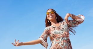 Frau im Hippie-Style - Sommer-Outfits 2020