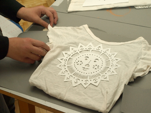 T-Shirt mit Schablone