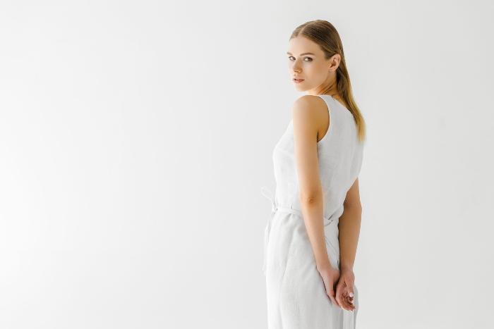 weisses-leinenkleid-das-weiße-kleid