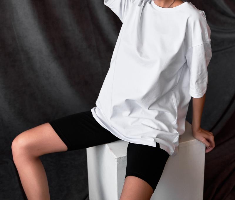 weisses-t-shirt-leggings