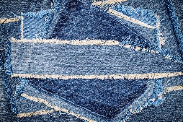 Stoffreste von Jeans Hosen